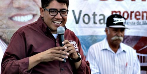 El candidato Saúl Monreal, felicita a los compañeros de comunicacion, por su día